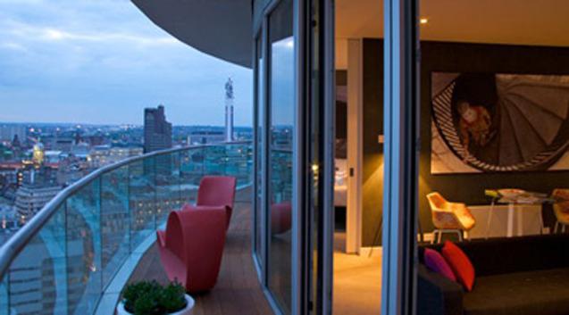Hilton garden inn birmingham brindleyplace for Piccolino hotel decor
