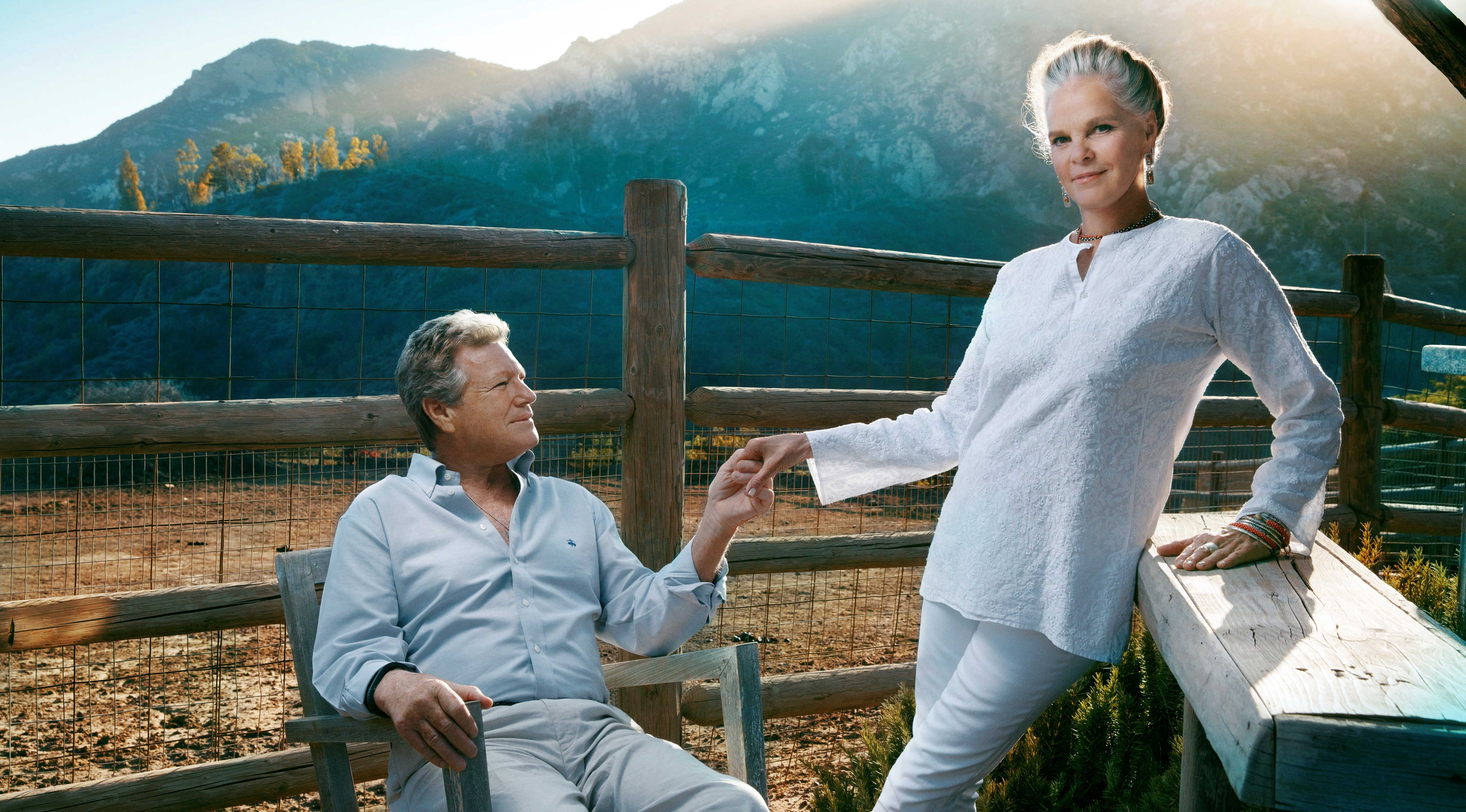 Hollywood legends Ali MacGraw and Ryan O'Neal to star in Love Letters