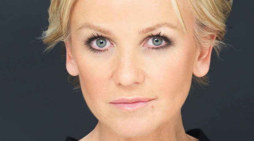 Lisa Maxwell ventures to the End Of The Rainbow